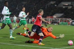Entrainement de foot : Déstabilisation d'une défense par attaque placée