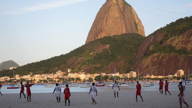 Beach_soccer_Rio